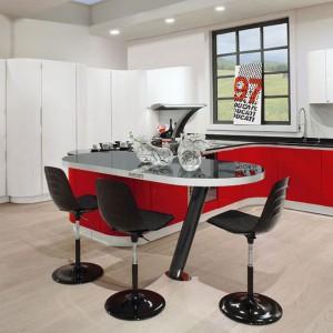 Ultranowczesne meble do kuchni Curvarossa marki Arrex w trzech kolorach: białym, czerwonym oraz czarnym. Fot. Arrex.