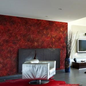 Gorący i zmysłowy klimat wprowadzimy do wnętrza dekorując je materiałami z Systemu Kreatywnej Dekoracji Primacol Decorative, w kolorze burgundzkiego złota. Fot. Unicell Poland.