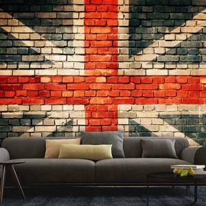 Stara cegła z graffiti z motywem Jack Union to odważna propozycja dla miłośników loftowych klimatów. Fot. Picassi.