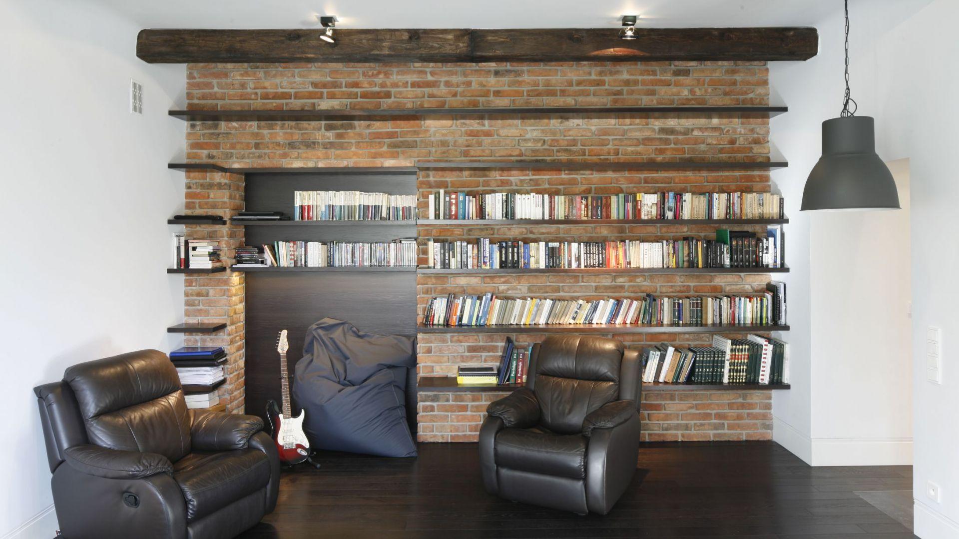 Cegła Kamień Czy Drewno 20 Pomysłów Na ścianę W Salonie