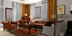 Wnętrze (zgodnie z preferencjami właścicieli) utrzymane w stylistyce eklektyczno-klasycznej. We wnętrzu zostały wykorzystane wykonywane ręcznie, według oryginalnych projektów, meble z Włoch i Francji.