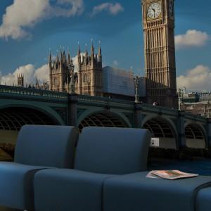 Stary Big Ben nawet na fototapecie rytmicznie odmierza nieubłaganie biegnący czas. Dzielnie też czuwa nad przytulnym wystrojem salonu. Fot. Art of wall.