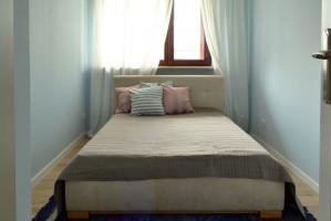Sypialnia powinna być miejscem relaksu i właśnie to był główny cel tego projektu.