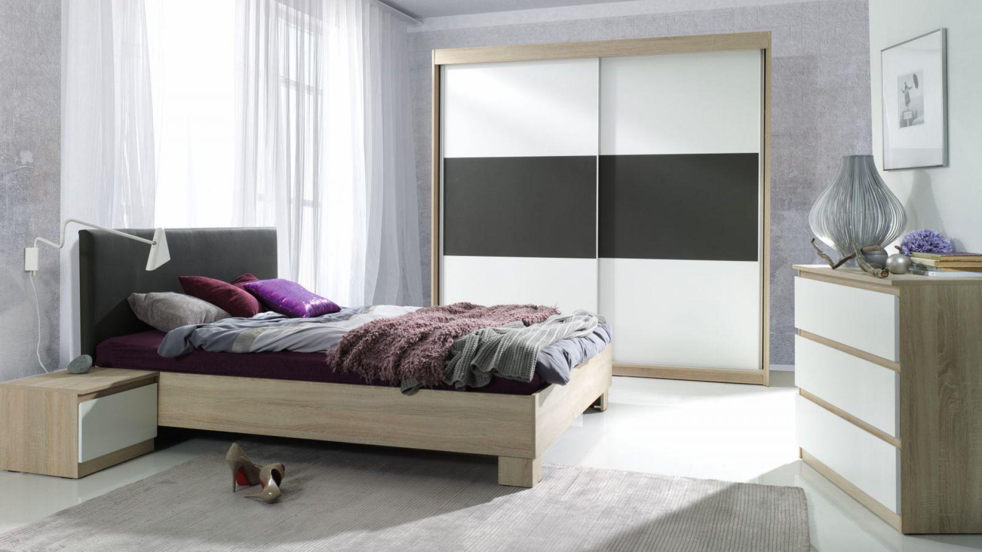 Kolekcja mebli Eden - znajdziemy w niej niezbędne wyposażenie każdej sypialni. Środkowa część szafy została wykonana z ekoskóry, które nawiązuje do materiału zagłówka. Fot. Agata Meble.