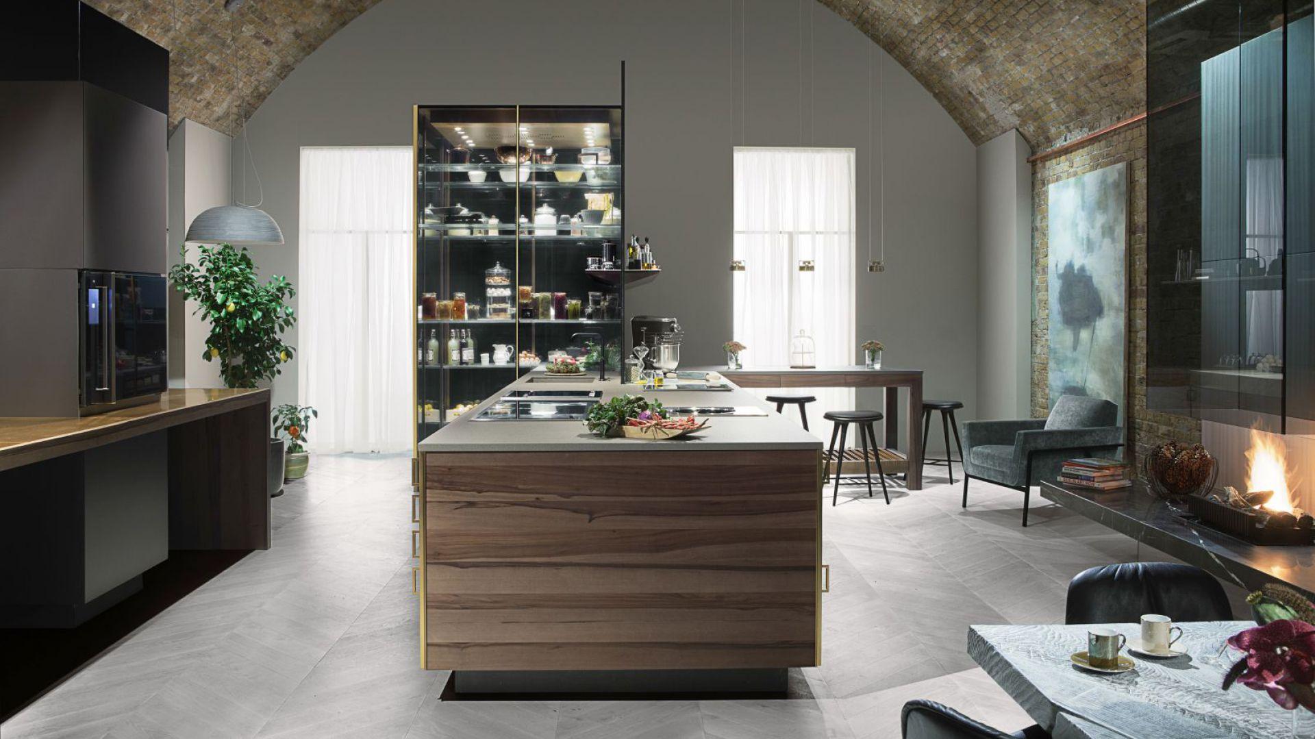 System Czwarta Ściana pozwala na zaaranżowanie kuchni, jak z gwiazdkowej restauracji oraz przygotowywanie potraw na najwyższym światowym poziomie  w domowym zaciszu. Fot. Poggenpohl.