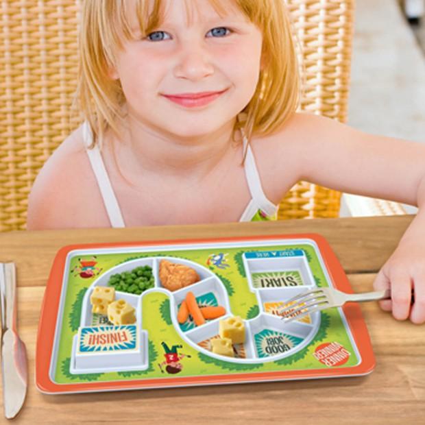 Śniadanie dziecka: kolorowe naczynia dla maluchów i starszaków