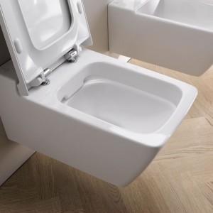 Xeno – nowoczesne kształty igładkie powierzchnie pomagają wutrzymaniu czystości;  miska w.c. bez wewnętrznego kołnierza Rimfree®, opcjonalnie pokryta szkliwem KeraTect gwarantuje łatwe utrzymanie czystości; dostosowana do spłukiwania 4/2 l; kryte systemy mocowania. Prod. Keramag Design. Cena: 1.692,48 zł. Fot. Keramag Design.