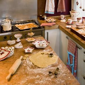 Inspirujące kolekcja Winter Bakery Delight sprawi, że pieczenie i podawanie świątecznych ciasteczek zyska nowy wymiar estetyczny. Od 39 zł, Villeroy&Boch.