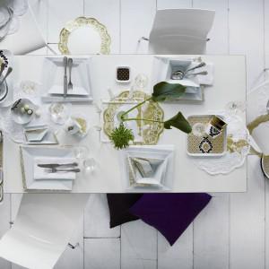 Zastawa skomponowana z kolekcji Atelier Couture oraz Opus Gold znanego producenta porcelany. Biel, złoto i czerń to niezwykle eleganckie połączenie, które nada świątecznemu stołowi szyku. Nie zawsze potrzeba mnóstwa ozdób, by uzyskać odświętny efekt. Fot. Kahla.
