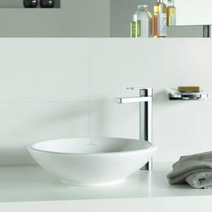 Bateria umywalkowa z kolekcji Just Villeroy&Boch jest elegancka, i nowoczesna. Uniwersalny design. Fot. Villeroy&Boch.