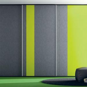 Szafa z rozkładanym pionowo łóżkiem Moving z serii Large. Fot. Ros.