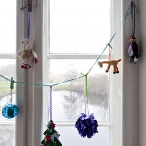 Wesołe dekoracje świąteczne odnajdziemy tu na każdym kroku. Fot. Polly Eltes/Narratives.