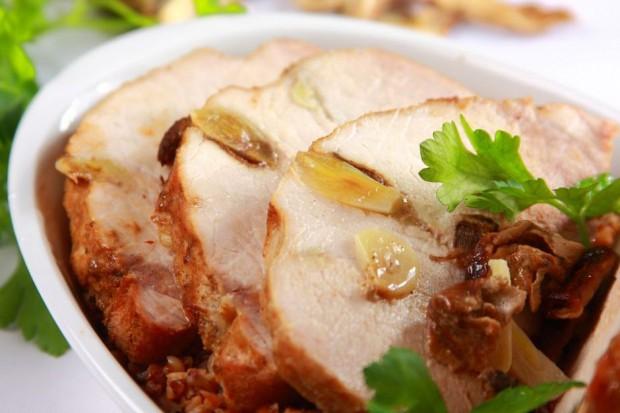 Znakomita propozycja na świąteczny obiad dla 6 osób.Czas przygotowania: 60 minut.