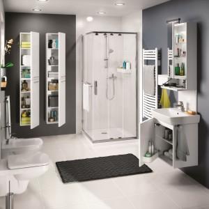 Kolekcja Nova Pro firmy Koło jest idealna do łazienek rodzinnych. Szafki podumywakowa, wisząca oraz wysokie słupki są niezwykle pojemne i praktyczne. Fot. Koło.