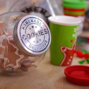 Naczynia z kolekcji Święta od kuchni wprowadzą do każdej kuchni przytulną, świąteczną atmosferę. Fot. Empik.