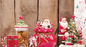 Dekoracyjne pojemniki, opakowania na ciastka czy ozdobne puszki doskonale nadają się do przechowywania świątecznych łakoci. I jeszcze pięknie wyglądają.  <br /><br />
