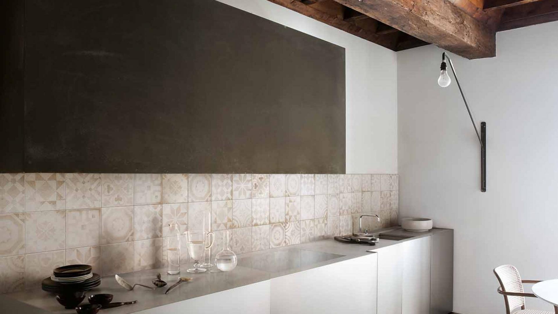 ściana Nad Blatem W Kuchni Wykończ Ją Płytkami