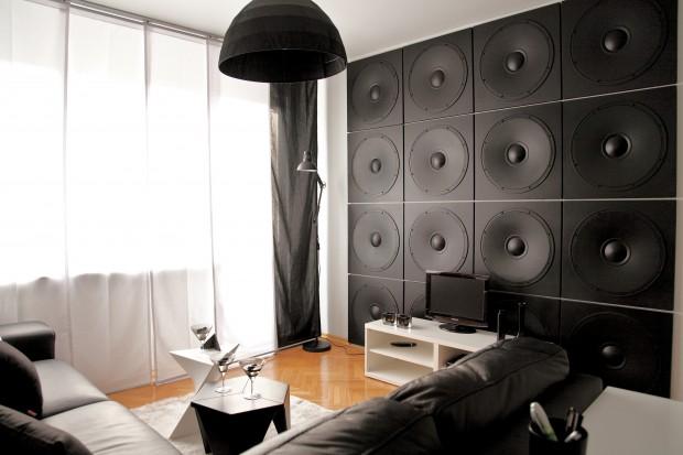 Ściany w salonie. Sprawdź co jest modne