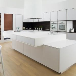 Precyzyjne pomiary pomieszczenia pozwolą prawidłowo dobrać meble i optymalnie wykorzystać całą dostępną przestrzeń. Fot. Gamadecor.