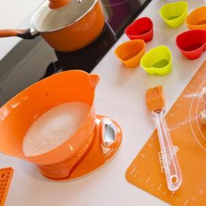 Nowoczesna waga powinna być częścią wyposażenia każdej kuchni. Wagi firmy Galicja są precyzyjne -ważą z dokładnością do 1 grama, a odczyt pomiaru błyskawicznie pokazuje się na czytelnym wyświetlaczu LCD. Fot. Galicja.