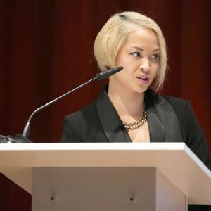 """Panel inauguracyjny poprowadziła Natalia Nguyen - zawodowo związana z projektowaniem wnętrz, znana prezenterka telewizyjna, prowadząca programy """"Bitwa o dom"""" oraz """"Pan i Pani House""""."""