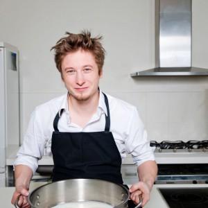 Zdaniem kucharza, nie ma jedynej, najlepszej metody przetwarzania żywności, gdyż każdy produkt ma, np. inną temperaturę pieczenia. Fot. Archiwum Grzegorza Łapanowskiego.