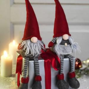 Urocze świąteczne skrzaty z oferty marki Jysk przyniosą prezenty wszystkim grzecznym dzieciom. Fot. Jysk.