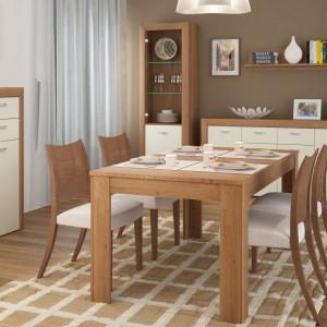 Wyrafinowana kombinacja naturalnych kolorów dębowego drewna z nieśmiertelną bielą sprawia, że wnętrze jest modne, a zarazem ciepłe. Fot. Meble Wójcik.