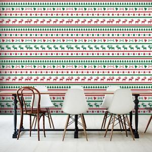 Renifery, gwiazdki, dzwonki i choinki poukładane w świąteczne wzory mogą być piękną dekoracją jadalni, gdzie w czasie świąt spędzamy najwięcej czasu. Fot. Picassi.
