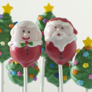 """Za pomocą specjalnych foremek do """"lizakowych ciasteczek"""" firmy Nordic Ware można wyczarować m.in. taką zabawną parę. Pań i Pani Mikołajowa ucieszą szczególnie dzieci. Fot. LeDuvel."""