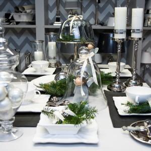 Świąteczne dekoracje stołu z oferty marki Deko. Dzięki nim każdy stół zyska elegancki, wyjątkowy charakter.