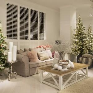 Dekoracje domu i ozdoby choinkowe z oferty marki House&More.