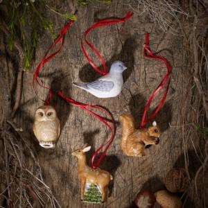 Leśnie zwierzęta i ptaki - nic lepiej nie pasje do żywego drzewka. A kiedy są wykonane z eleganckiej porcelany zaspokoją gusta najwybredniejszych estetów. Fot. Villeroy&Boch.