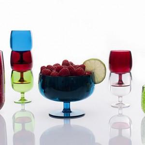 Designerska seria kieliszków Stacky od firmy Zak! designs rozbawi gości i ożywi przyjęcie. Do kupienia w sklepie: Leduvel.pl. Fot. LeDuvel.