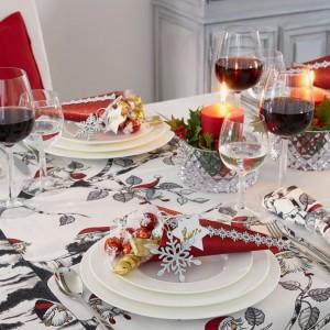 Szklane, lekko pękate kieliszki do wina to najpopularniejszy i najbardziej uniwersalny wzór, który świetnie odnajdzie się w każdej aranżacji. Fot. Villeroy&Boch.