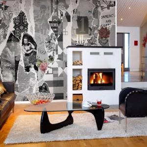 Tapeta Urban Nature marki Mr Perswall przypomina kolarz wykonany z czarno-białych gazet czy plakatów. Podkreśli minimalistyczny wygląd nowoczesnego wnętrza lub wprowadzi nutę awangardy do klasycznego salonu. Fot. Mr Perswall.