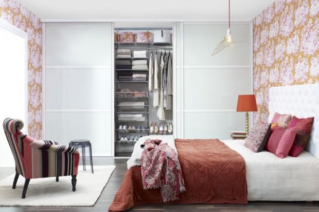 Szafa czy garderoba? 15 sposobów na przechowywanie w sypialni