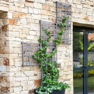 Wykonana ze stali nierdzewnej kratka Asyma doskonale komponuje się z nowoczesną architekturą. Fot. Atech.