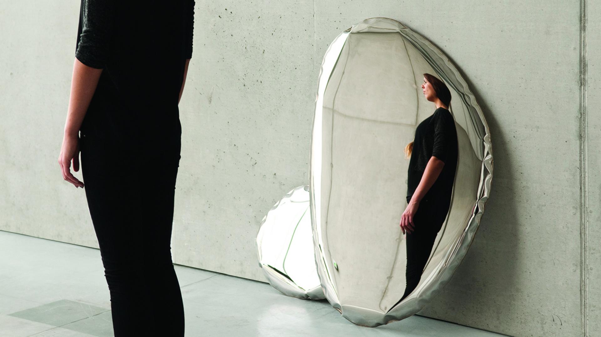 Stalowe lustro