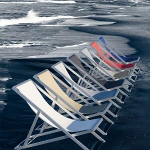Hamaca Picnic to piknikowy leżak wykonany z aluminium oraz wytrzymałej tkaniny. Do wyboru kilka wersji kolorystycznych. Projekt: Jose A. Gandia Blasco. Fot.  Gandia Blasco.