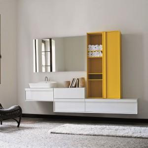 Zestaw  kolekcji Class Arlexitalia to ciekawe połączenie kolorów oraz zamkniętych o otwartych brył szafek. Fot. Arlexitalia.