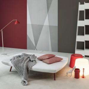 Po rozłożeniu, sofa Bandy może pełnić funkcję łóżka, przeznaczonego dla gości. Fot. Bonaldo.