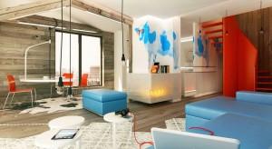 Ciepłe, lekko postarzane drewno i chłodny błękit to połączenie dość nietypowe i oryginalne. Jednak w nowoczesnym mieszkaniu prezentuje się znakomicie.