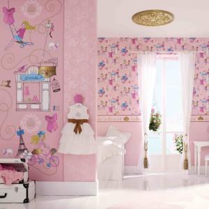 Pokój córki można zmienić w iście bajkowy świat, wykorzystując tapety Marburger Tapetenfabrik. W takim wnętrzu każda dziewczynka poczuje się jak mała księżniczka. Fot. Marburger Tapetenfabrik.