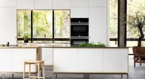 Matowe i półmatowe fronty mebli kuchennych mogą się prezentować równie efektownie, co powierzchnie wykończone na wysoki połysk. Zobaczcie sami.