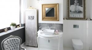 Łazienka w stylu glamour zachwyca subtelnymi kształtami wyposażenia i biżuteryjnym połyskiem dodatków. Ale może mieć też niezwykle nowoczesne oblicze. W sam raz dla współczesnej elegantki.