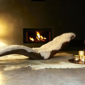 Fotel Shell zapewnia komfortowy wypoczynek, jak również jest oryginalną ozdobą salonu. Fot. Niummi.
