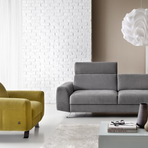 Sofa PI z oferty marki Etap Sofa to ciekawa forma ujęta w rozmiar pasujący zarówno do małych, jak i dużych wnętrz. Fot. Etap Sofa.