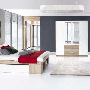 Kolekcja mebli Milo to połączenie nowoczesnej formy z funkcjonalnością. Charakterystycznym elementem tego zestawu jest rozbudowane łóżko, zawierające wysuwane szafki nocne oraz dwie szuflady. Fot. Szynaka Meble.