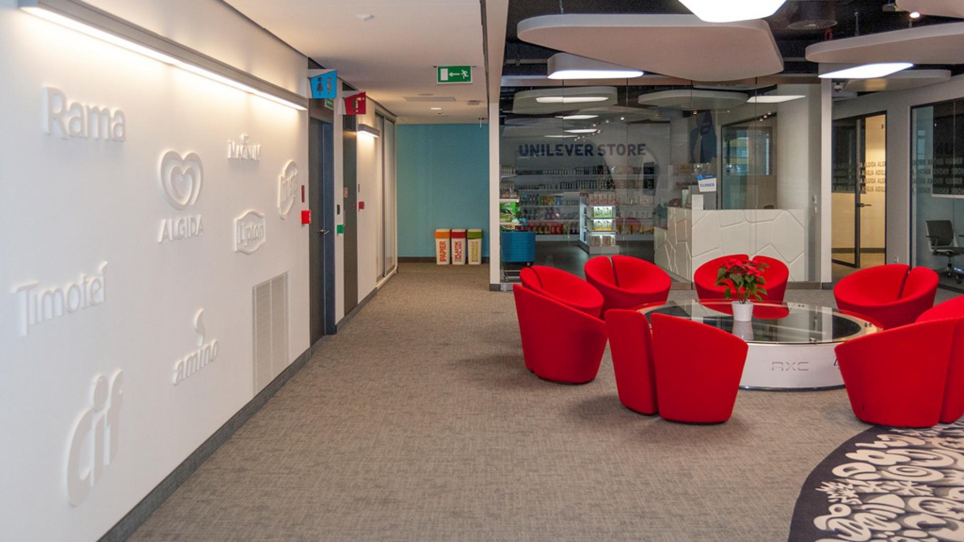 W biurze zaprojektowano m.in. wygodne strefy relaksu. Fot. Grupa Advertis